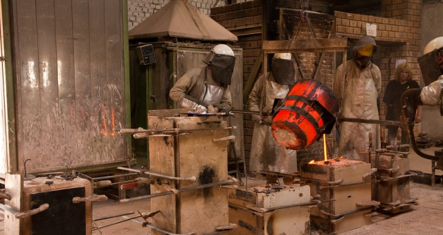 Bronze casting at  Jos Custers Foundry in Grathem, Limburg